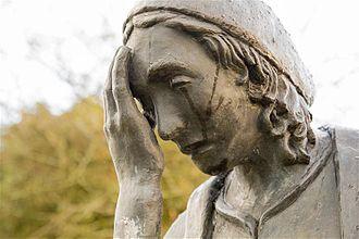 Gaeltacht na nDéise - Statue found at Reilig an tSléibhe