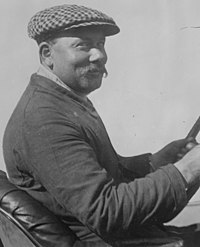 René Thomas at 1914 Indy 500 (cropped).jpg