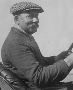 René Thomas at 1914 Indy 500 (cropped).jpg