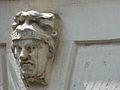 Rieux-Volvestre maison pl de la Halle têtes (2).jpg
