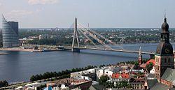 Riga Dom Bruecke Daugava.jpg