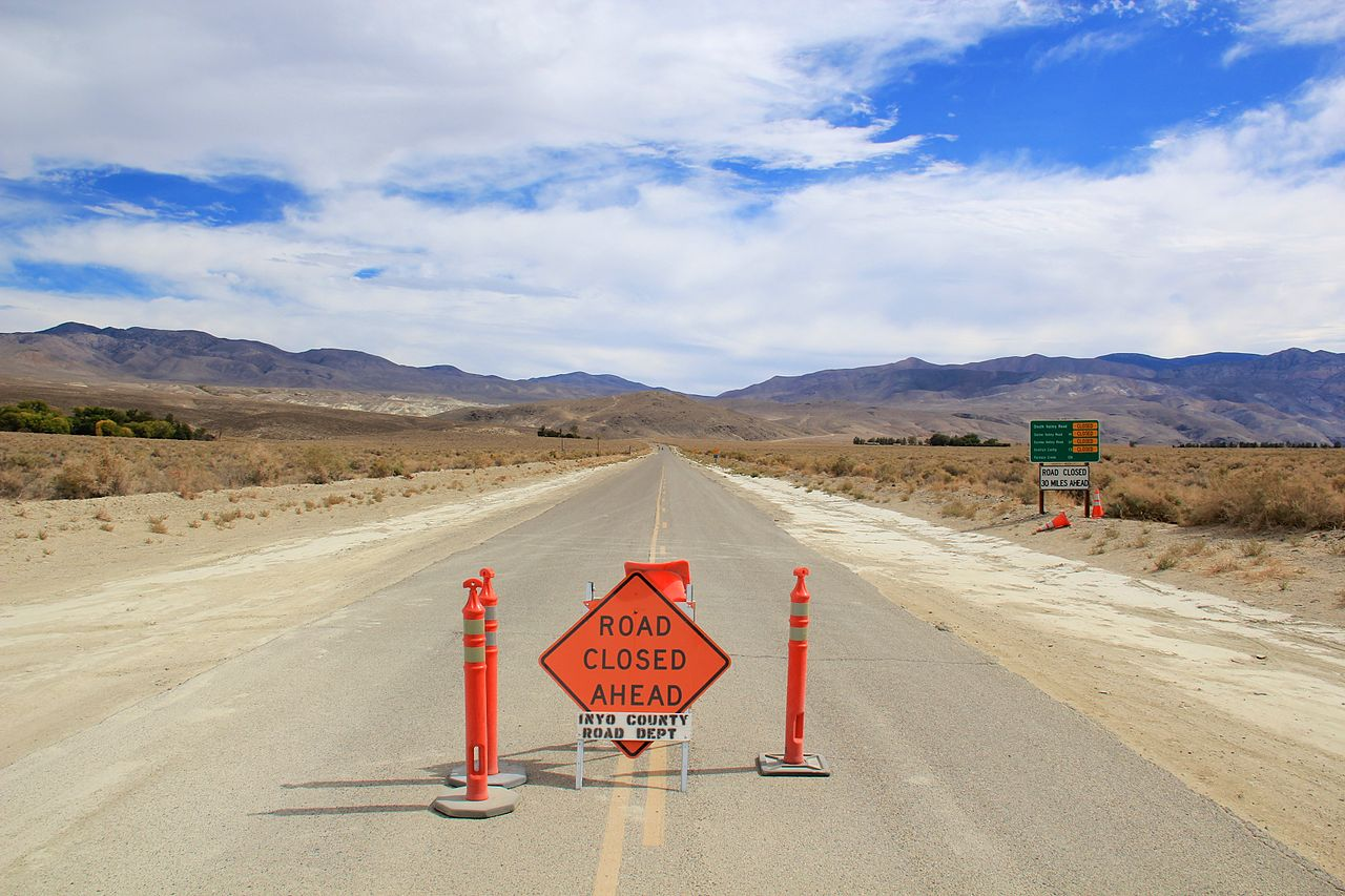 File:Road leads to Death Valley - Flickr - daveynin.jpg ...