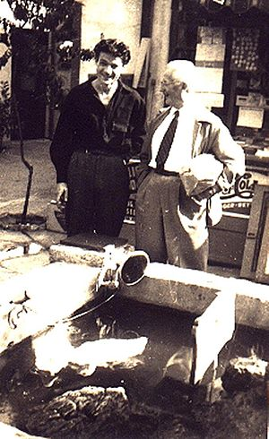 Rob Wagner - Rob Wagner (r.) with artist Leo Politi on Olvera Street, Los Angeles, 1940.