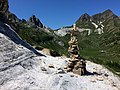 Rock balancing al Passo Venett (19534556970).jpg