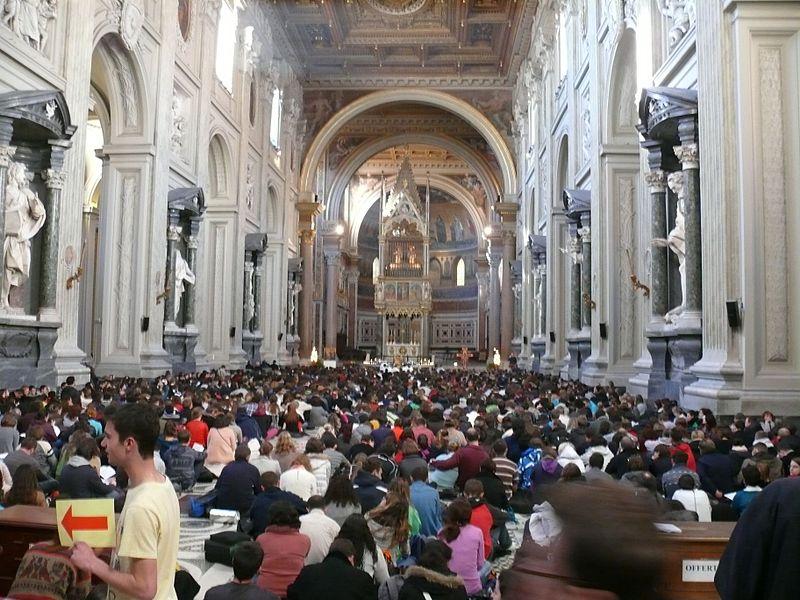 File:Rome - Basilique Saint-Jean-de-Latran - Rencontres européennes de Taizé 2012 - 2.jpg