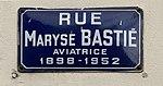 Rue Maryse Bastié (Lyon) - plaque de rue.jpg