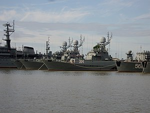 Russian naval ships in St. Petersburg.jpg