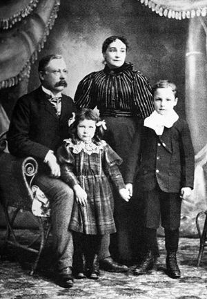 Alexander Cameron Rutherford - The Rutherford family in 1898