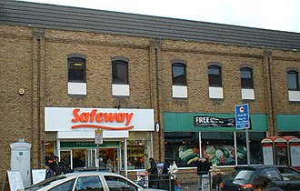 Safeway (UK) - A Safeway supermarket in Walworth, South East London, in 2003