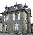 Saint-Brice-en-Coglès (35) Ancienne école publique des filles 02.jpg