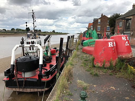 Saint Edmund Kings Lynn on the mud of the River Great Ouse (geograph 5886542)