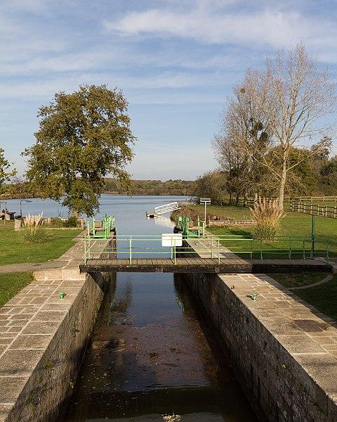 Sas de l'écluse du Bellion sur le canal de Nantes à Brest, à Fégréac.