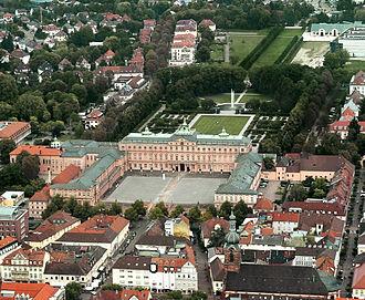 Rastatt - Image: Schloss Rastatt Luftbild (cropped) 2