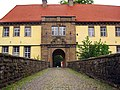 Schloss Strünkede - Brücke und Tor.jpg