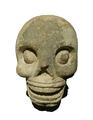Sculpture de tête décharnée Maya.png