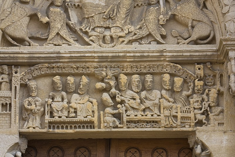 Muerte y Románico Fúnebre  - Página 8 800px-Semur_en_Brionnais-%C3%89glise_Saint_Hilaire-20110212-Linteau_du_porche_ouest