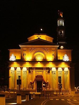 Seriate - Parish church by night