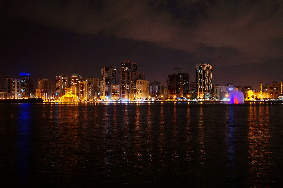 Sharjah - Nigh time pHOTO (11925055675)