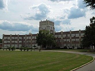 Sidney Lanier High School - Image: Sidney Lanier HS July 2009 02