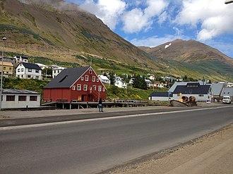 Siglufjörður - Image: Siglufjörður Entrance Hi Res