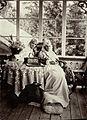 Signe Hebbe och fru Wendela Hebbe. Skogshyddan på Nynäshamn, jägmästare Plazikowskys egendom - Nordiska Museet - NMA.0033034.jpg