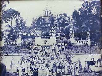 Ahmadiyya in Indonesia - An early community of Ahmadi Muslims in front of a mosque in Singaparna, Java, in the late 1920s.