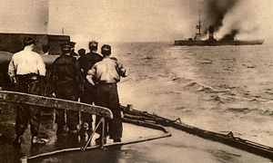 Battle of Heligoland Bight (1914) - Sinking of the German cruiser Mainz seen from a British warship