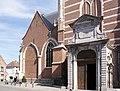 Sint-Martinuskerk (Aalst) - Buitenaanzicht 05.JPG