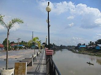 North Kalimantan - Image: Siring Tepi Sungai Negara, Amuntai