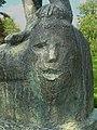 Skulptur Sockel, David und Goliath, 1965, Schule Reigoldswil, von Jakob Probst (1880–1966), Bildhauer.jpg