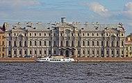 Spb 06-2012 Palace Embankment various 06.jpg