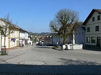 St.Peter am Wimberg - Ortsplatz.jpg