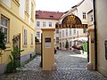 Staré Město, Husova 9, Zlatý dvůr a ulička Zlatá.jpg