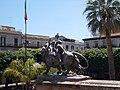 Statua Teatro Massimo.jpg