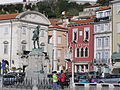 Tartini-Statue und Venezianisches Haus.JPG