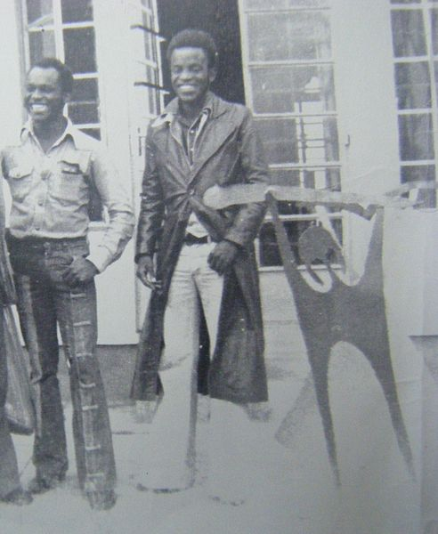 File:Tayali (with his brother Bright Tayali) and Early Metalwork Sculptures - Roma,Lusaka 1976..JPG