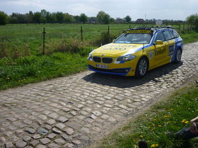 Team car Tinkoff-Saxo-ParisRoubaix2014.JPG