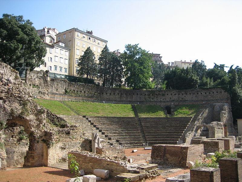 Soubor:Teatro Romano di Trieste 2.jpg
