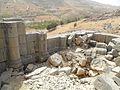 Temple inside Niha fortress - panoramio.jpg