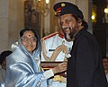 The President, Smt. Pratibha Devisingh Patil presenting the Padma Vibhushan to Dr. Rajendra Kumar Pachauri at Civil Investiture-II Ceremony, at Rashtrapati Bhavan, in New Delhi on May 10, 2008.jpg