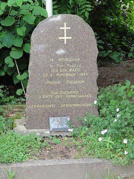 Thiaville-sur-Meurthe (M-et-M) mémorial Pierre Pierron fusillé