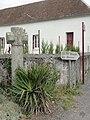 Thoiré-sous-Contensor (Sarthe) croix de chemin en pierre.jpg