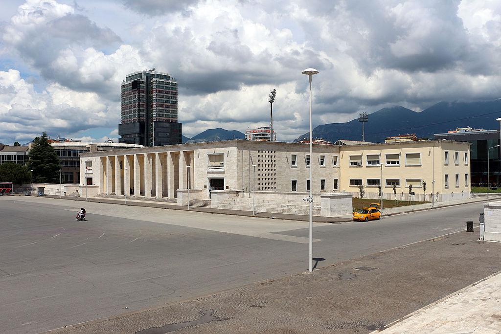 Tirana, museo archeologico, facciata 00.JPG