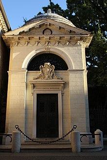 Dantes Grabmal in Ravenna (Quelle: Wikimedia)