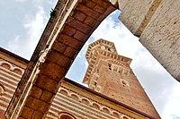Torre dei Lamberti, 2009 (04).JPG