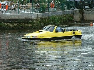 Amphibious automobile