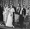 Troonswisseling 30 april , Koningin Beatrix tijdens eedsaflegging, Bestanddeelnr 930-8082.jpg