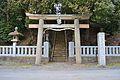 Tsurugitachi-iwatokowakenomikoto-jinja torii.JPG