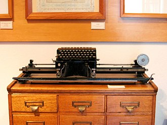 An Elliott-Fisher book typewriter on display at the Historic Archive and Museum of Mining in Pachuca, Mexico TypewriterMiningMuseumPachuca.JPG