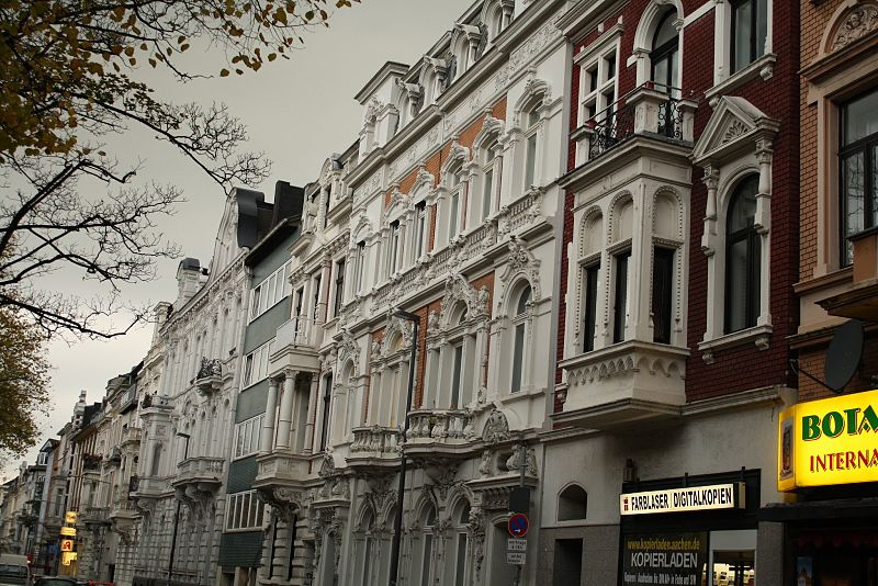 Typical Aachen street with early 20th-century Gr%C3%BCnderzeit houses (2).JPG
